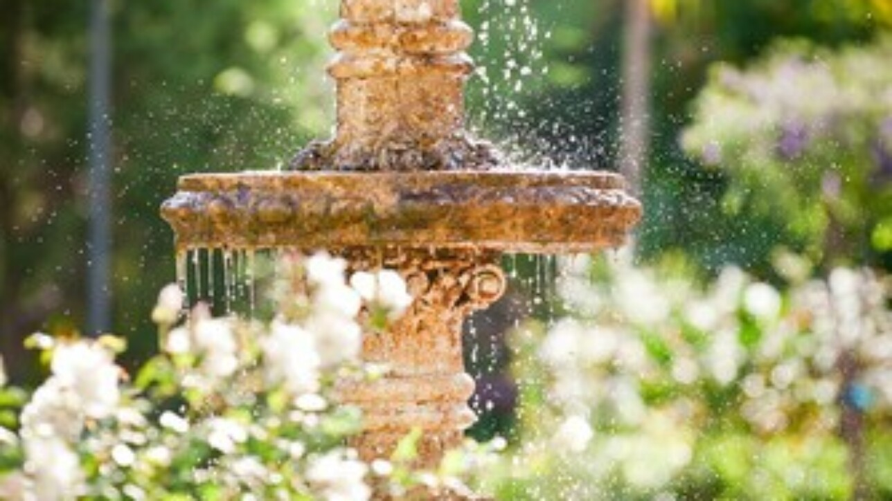 A company that made products for outdoor water fixtures needed a new solution for manufacturing and financial reporting.